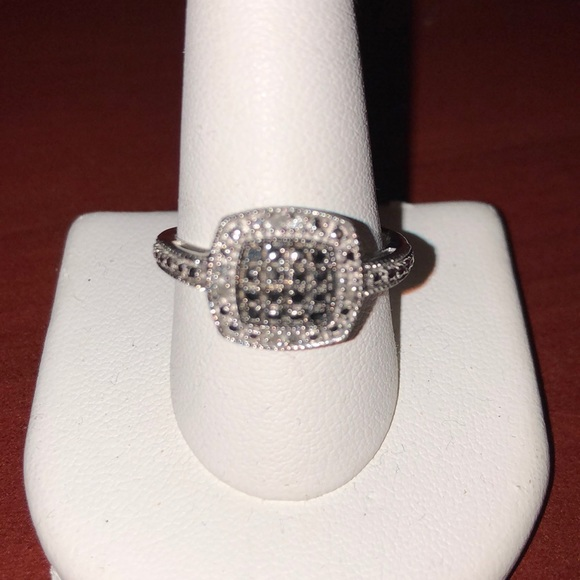 Jewelry - Silver ring Size 10